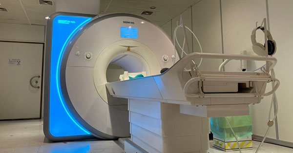 Short Bore MRI Scanner Pros and Cons.jpg